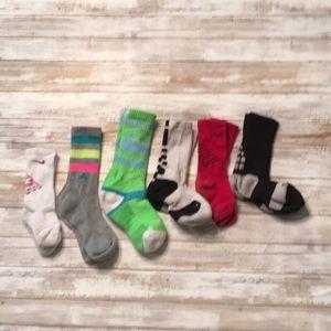 DY29 Nike adidas strideline socks